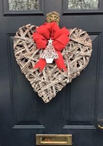 heart-door-wreath