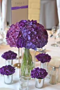 tablecentre-purple-modern-hydrangea-vases