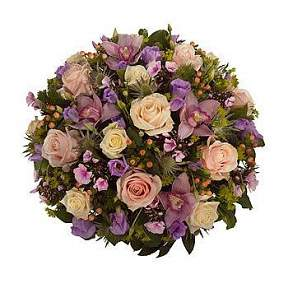 Posy in vintage pinks and lilacs