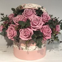 Dozen Pink Rose Hat Box